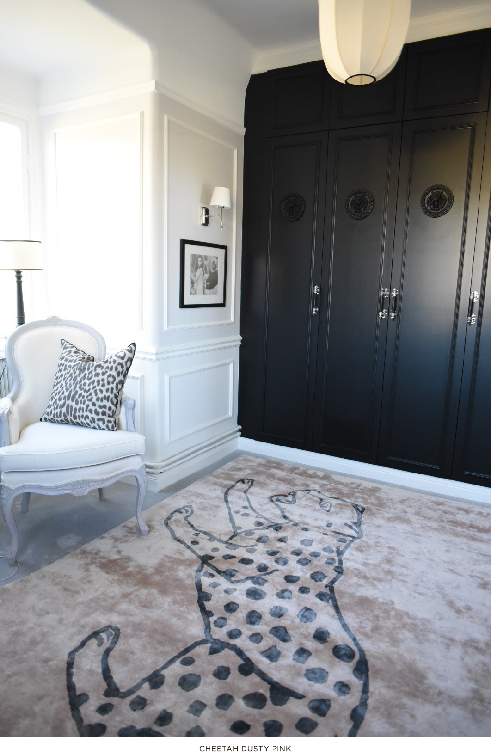 Layered patterned gray and pink viscose rug in bedroom and closet